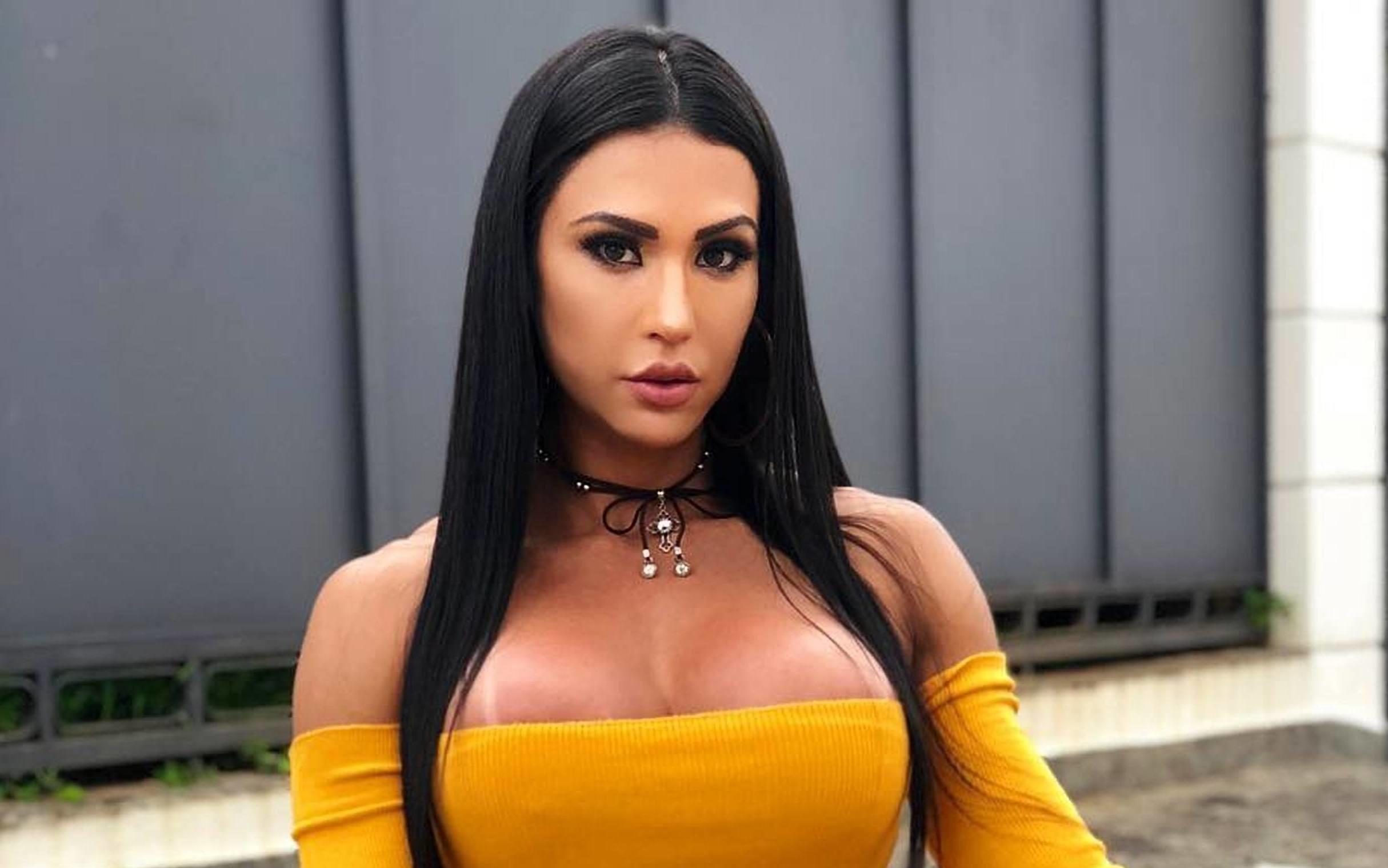 "Gracyanne Barbosa volta falar de Viviane Araújo: ""Me agrediu"""