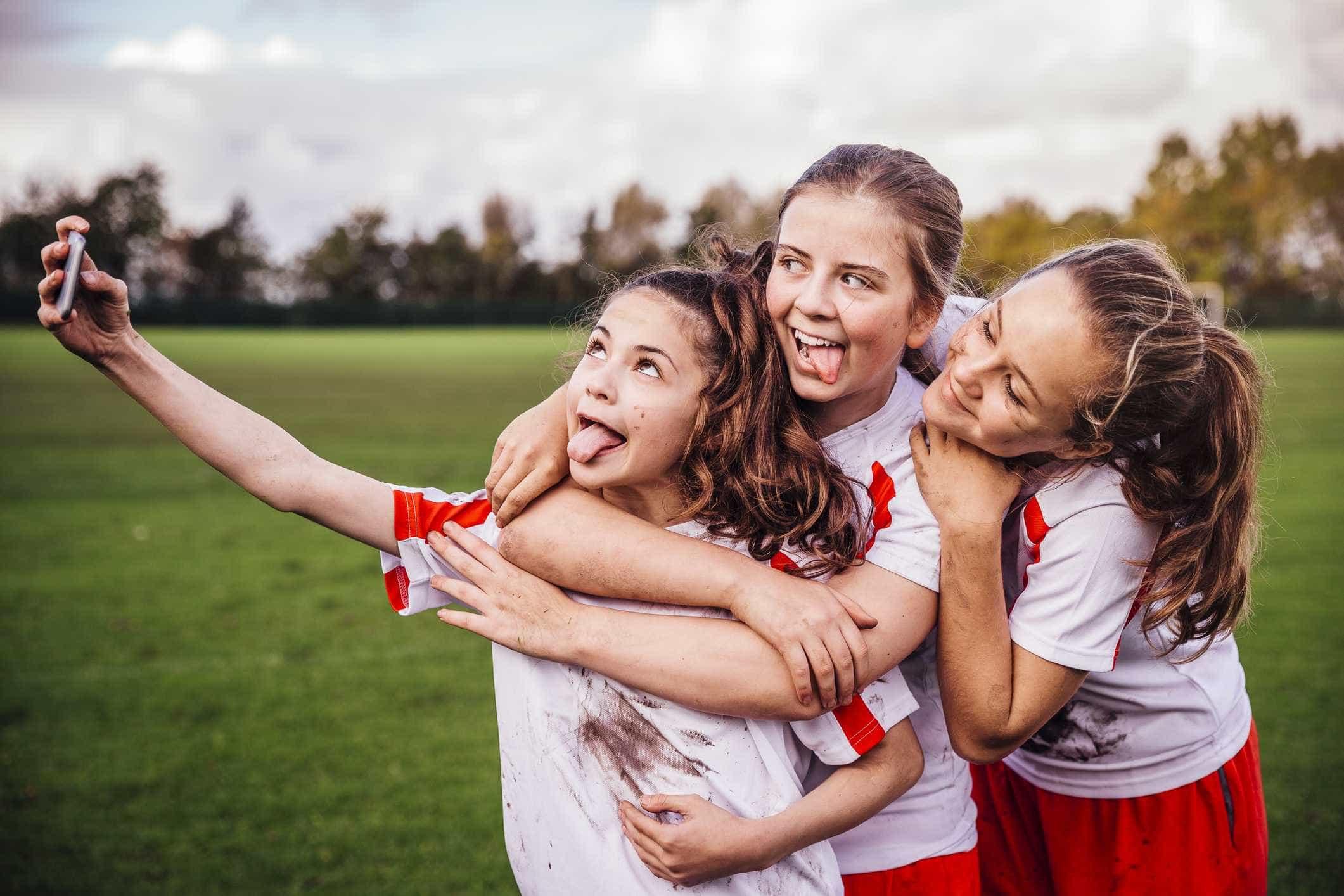 8 dicas de como orientar seu filho no uso do celular