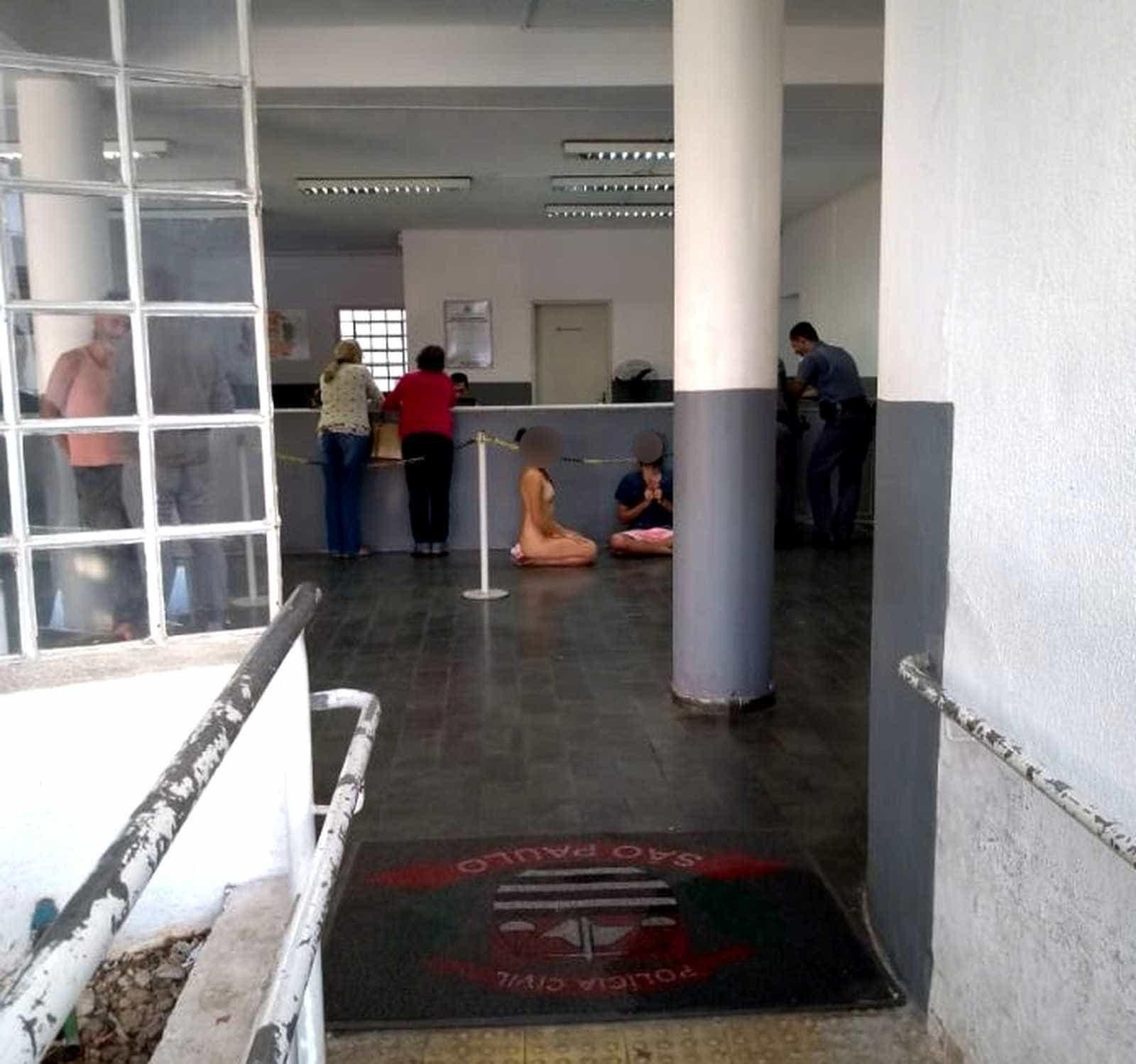 Trio é detido nu após usar chá de Santo Daime e medita na delegacia
