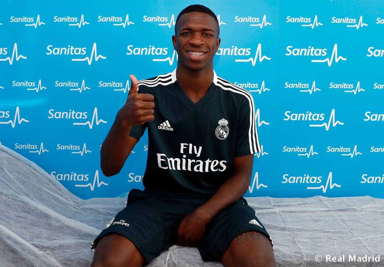 Vinícius Jr. dá passe ousado em seu 1º treino no Real Madrid; vídeo