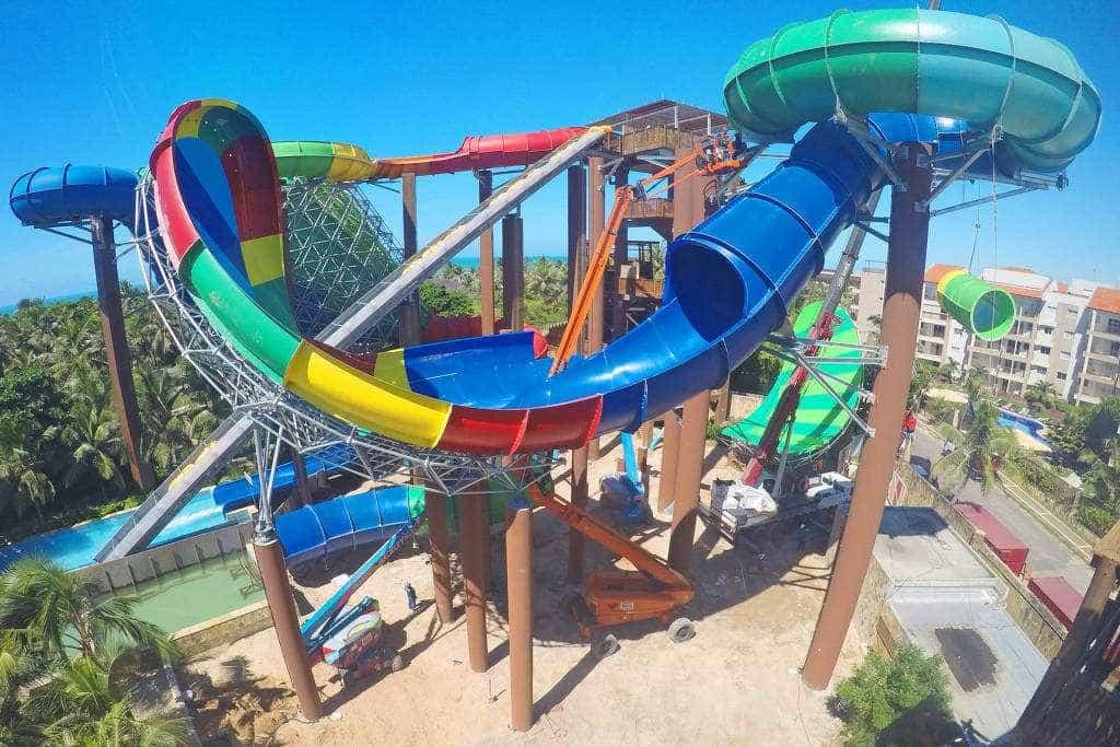 Boia virou dentro do toboágua, diz Beach Park sobre morte de turista