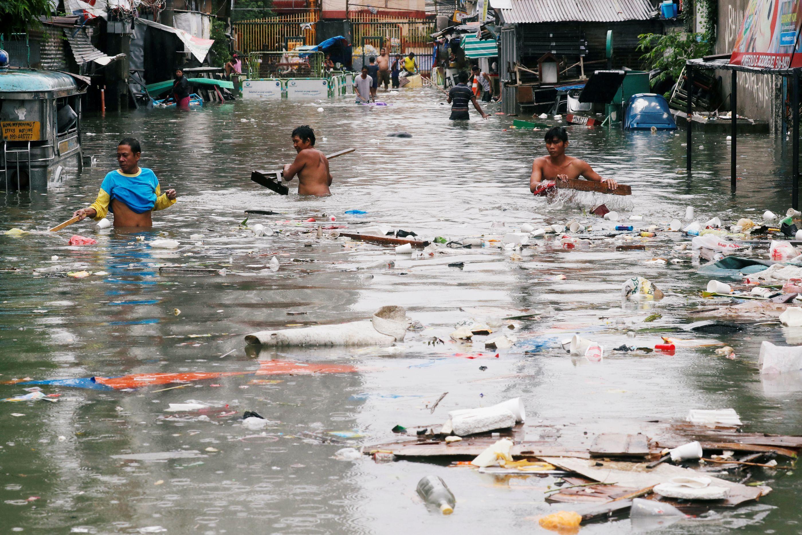 Oito mil pessoas retiradas de casa devido às inundações nas Filipinas