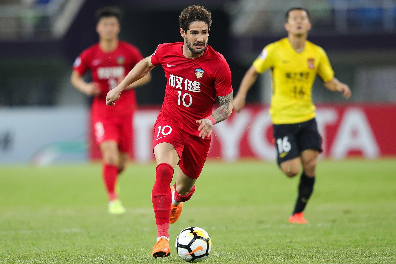 Você precisa ver esse golaço que o Pato marcou na China; vídeo