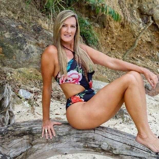 Aos 54, Regina Polivalente revela como mantém as medidas dos 16 anos