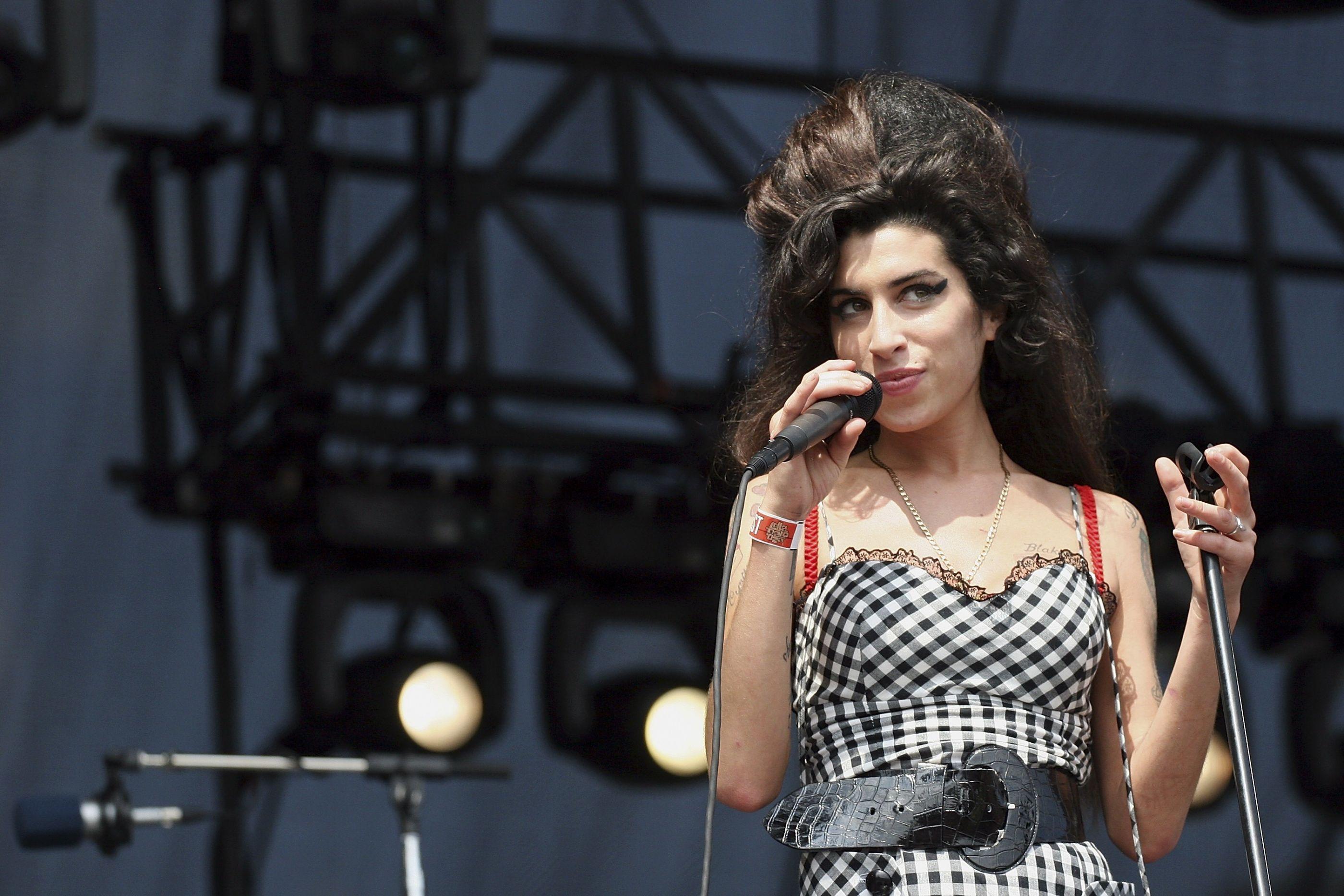 Amy Winehouse voltará aos palcos na forma de holograma