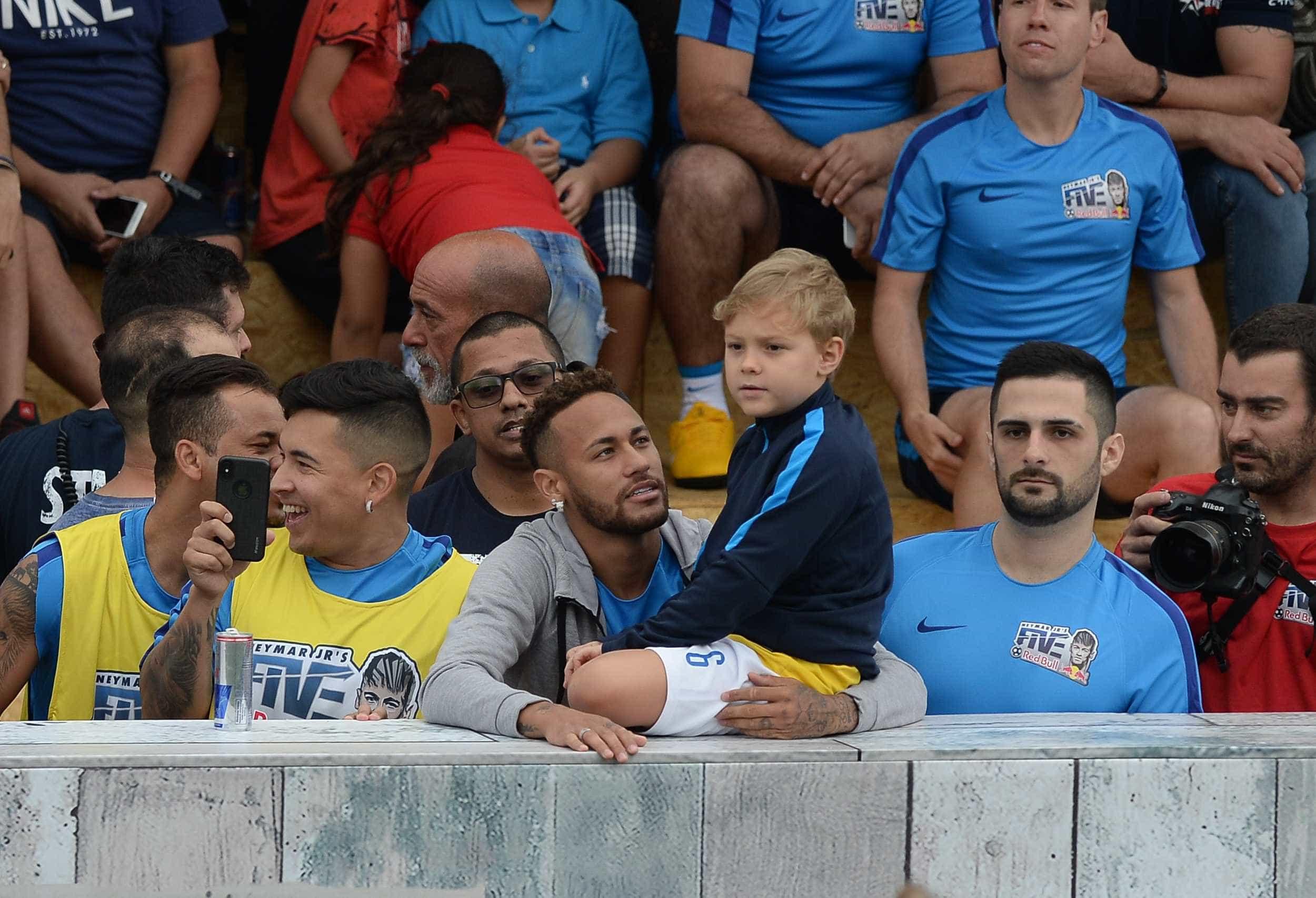 Neymar ganha desenho fofo do filho Davi Lucca; veja