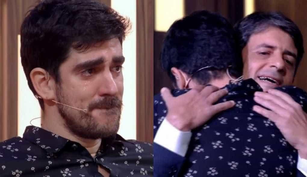 Marcelo Adnet chora muito com homenagem do pai: 'Chama ambulância'