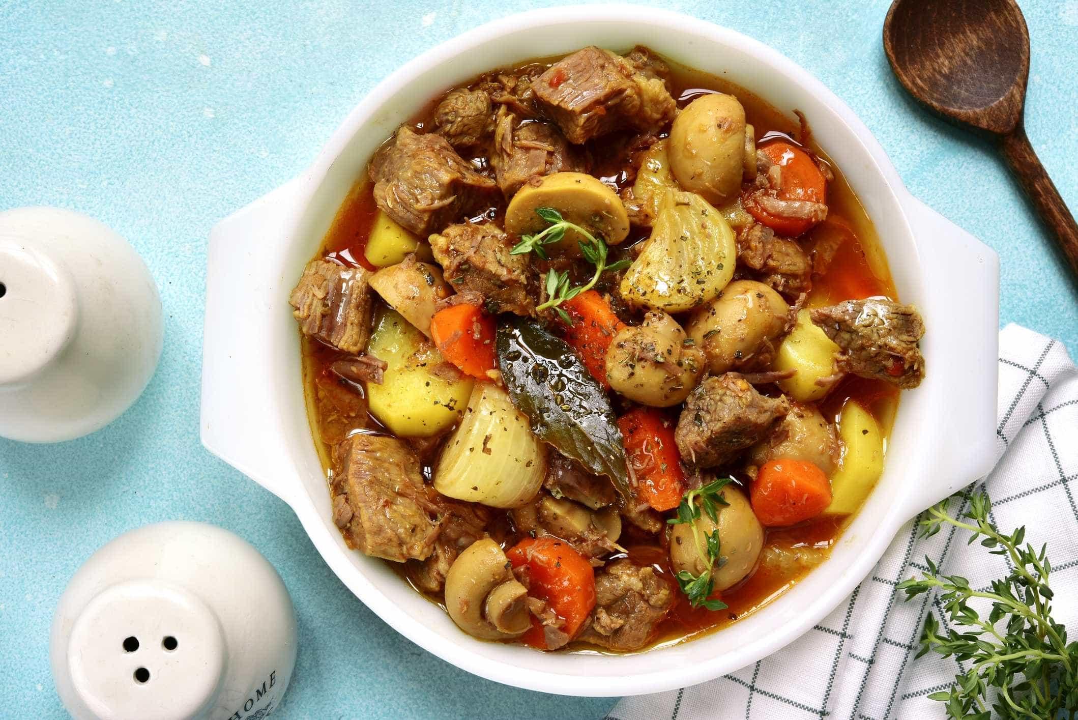 Aprenda a fazer uma deliciosa carne de panela com legumes