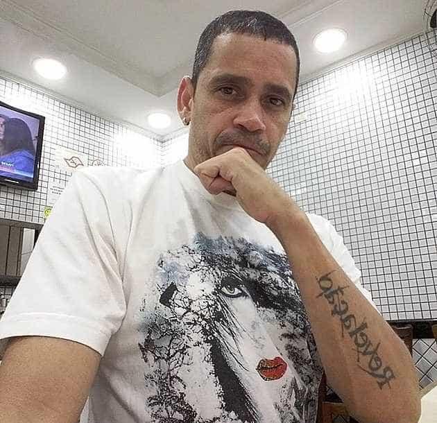 'Daqui a pouco volta o samba, basta trabalhar', diz músico do Revelação