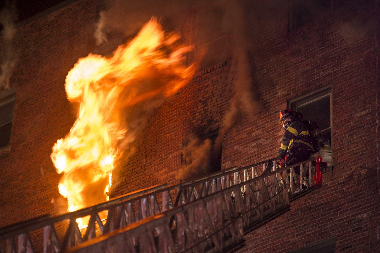 EUA: incêndio em hotel mata 6 pessoas da mesma família; 5 são crianças