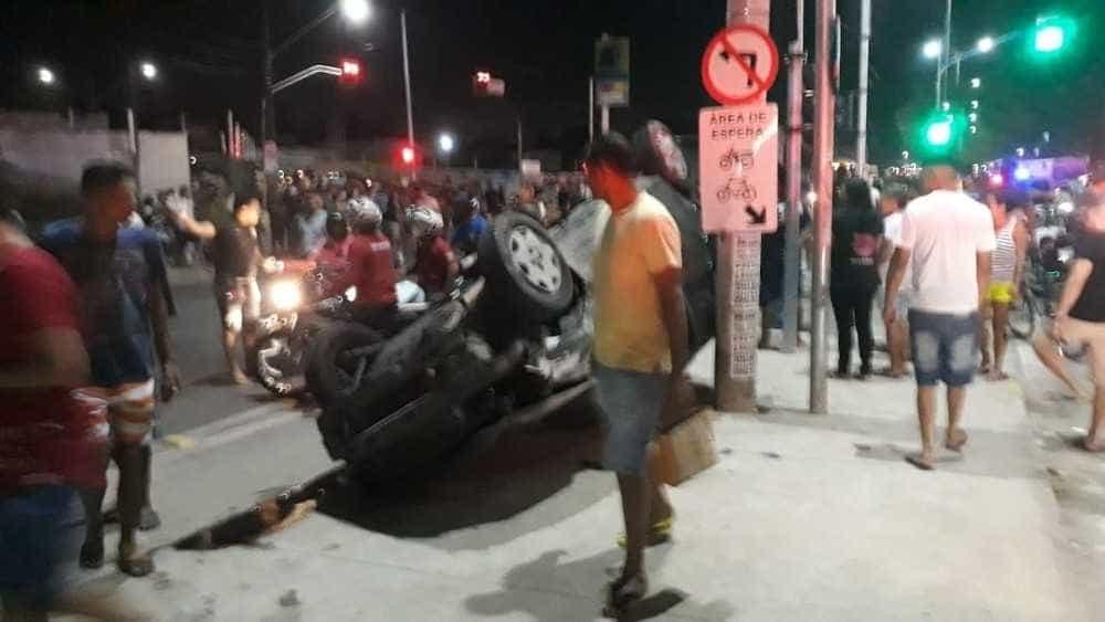 Acidente com caminhão deixa dois mortos e 13 feridos em Fortaleza