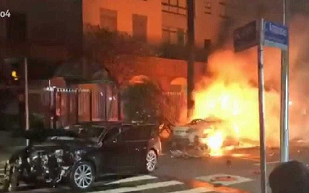 Acidente com carros de luxo deixa três mortos em bairro nobre de SP