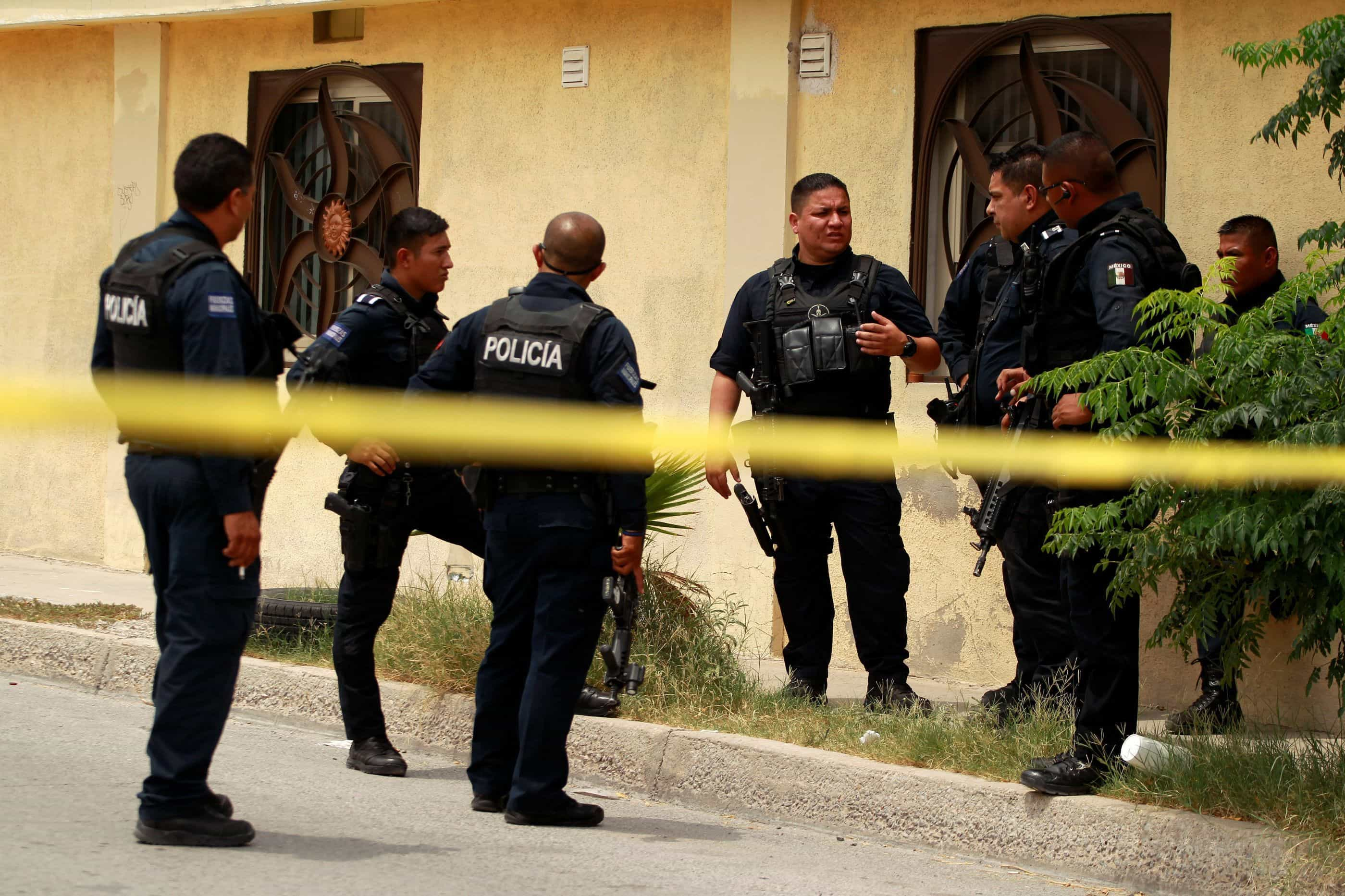 Centenas de cadáveres são encontrados em veículos no México