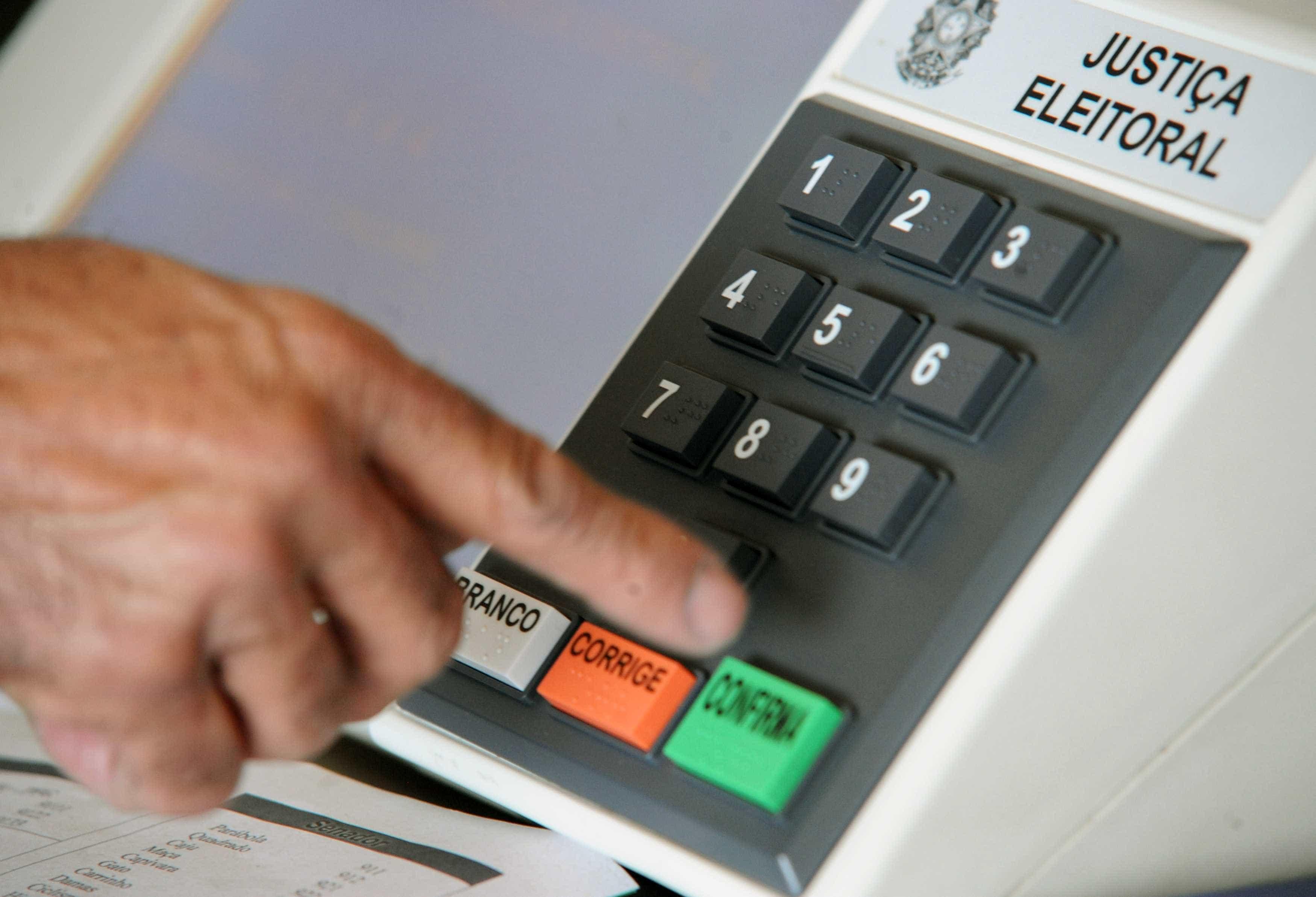Leitora de Alagoas diz que alguém votou em seu lugar; TRE vai apurar