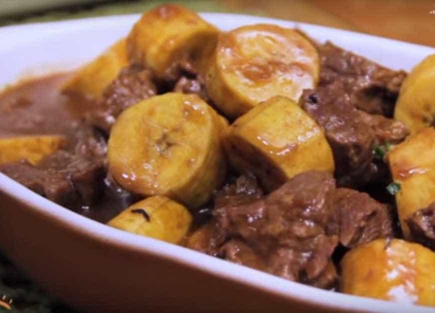 Comida de sertão: aprenda a fazer picadinho com banana da terra