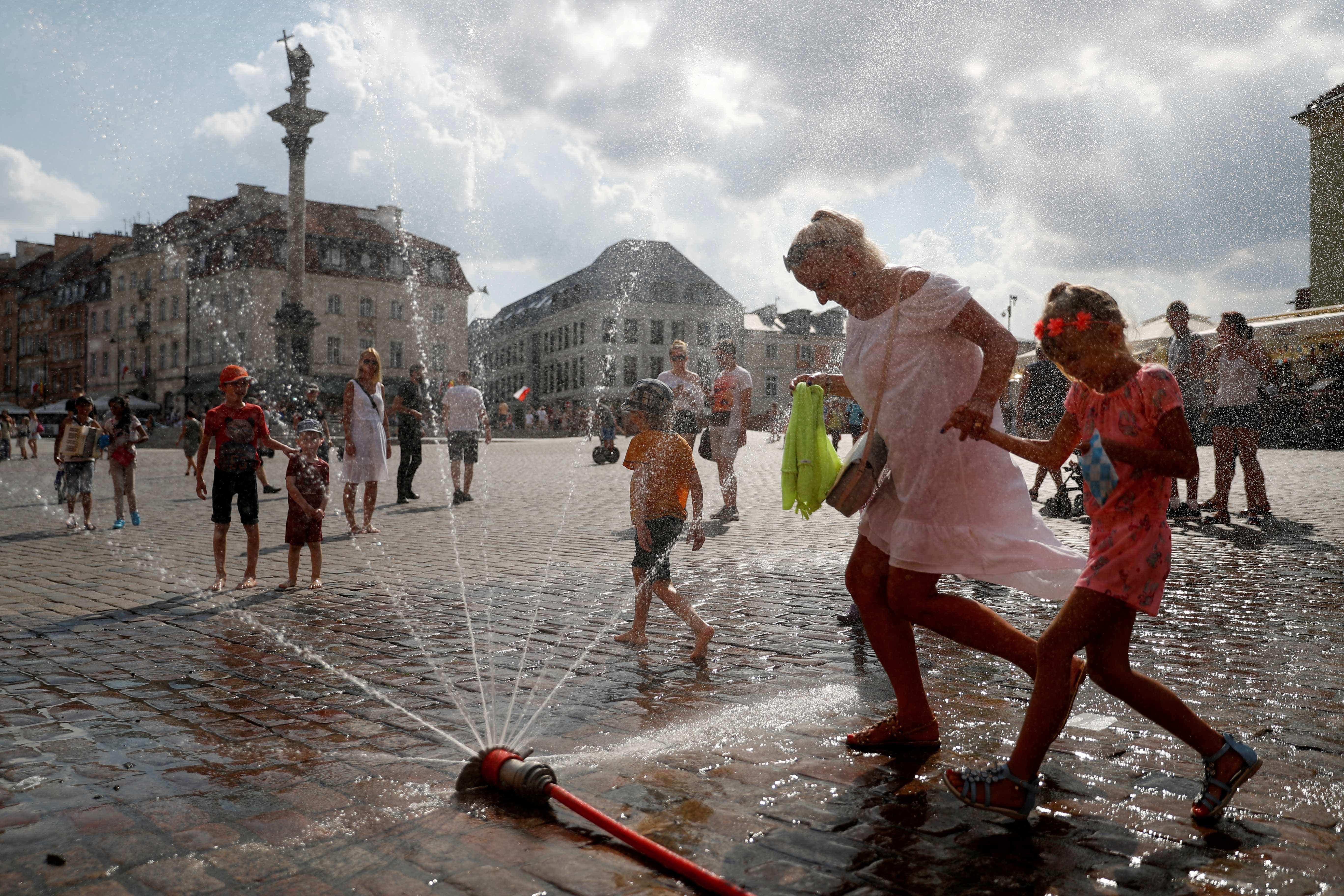 Altas temperaturas: veja as imagens do nada glamuroso verão europeu