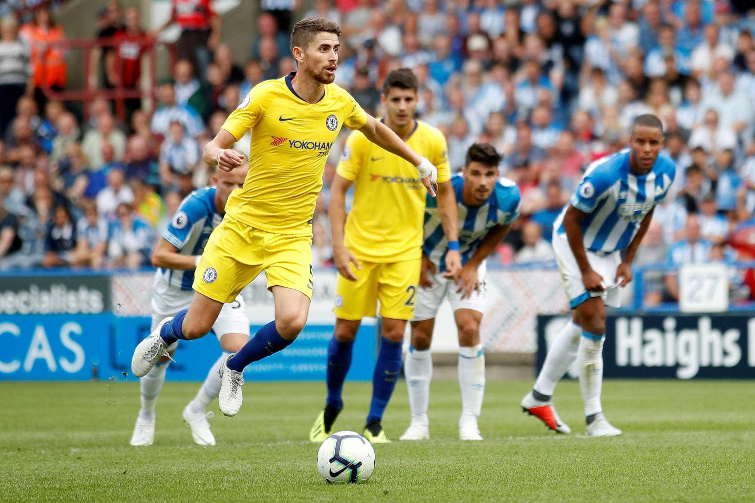 Fora de casa, Chelsea vence por 3 a 0 em estreia de Sarri no Inglês