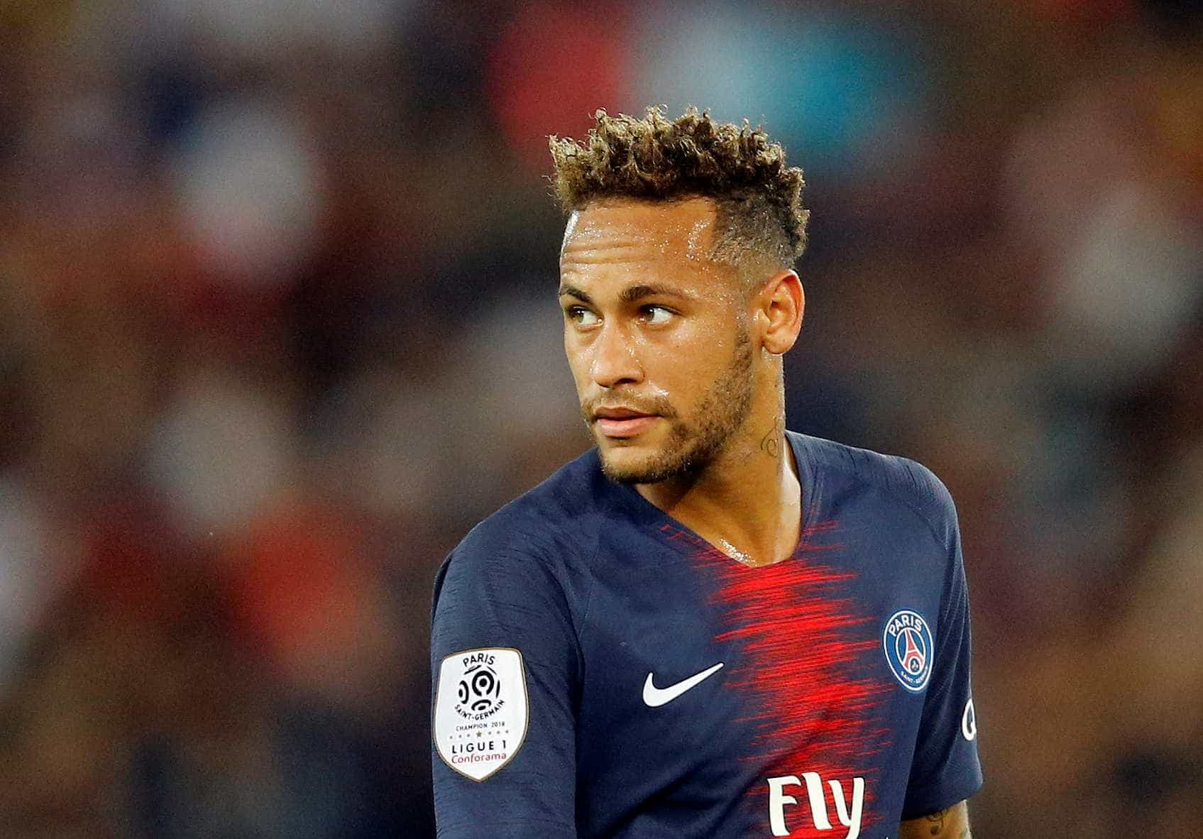 'Esquecido', Neymar passa em branco em festa de melhor do mundo da Fifa