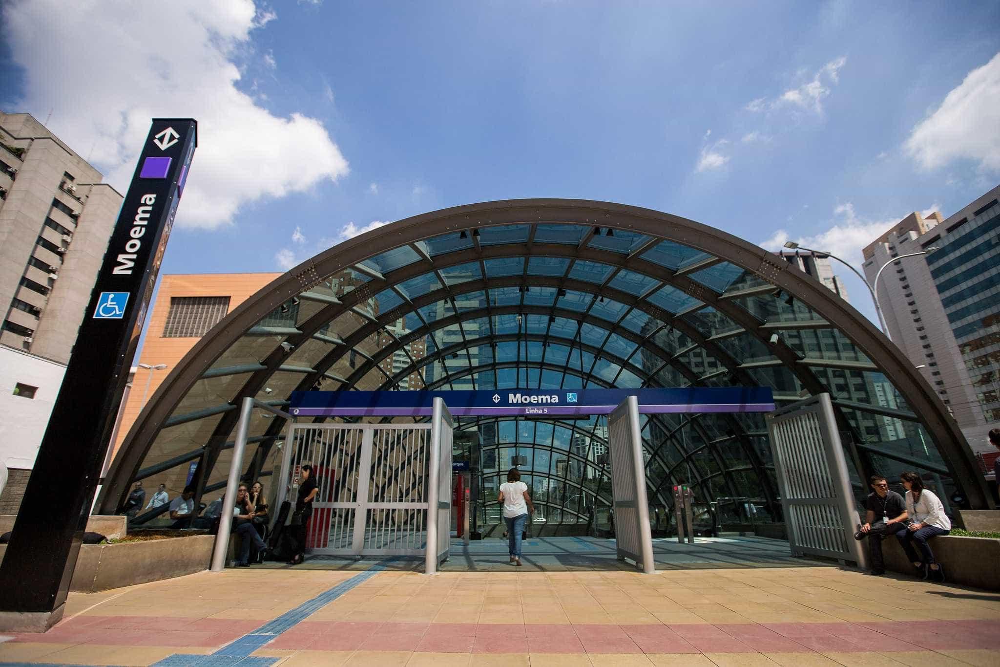 Estação Moema do Metrô passa a funcionar aos domingos e a cobrar tarifa