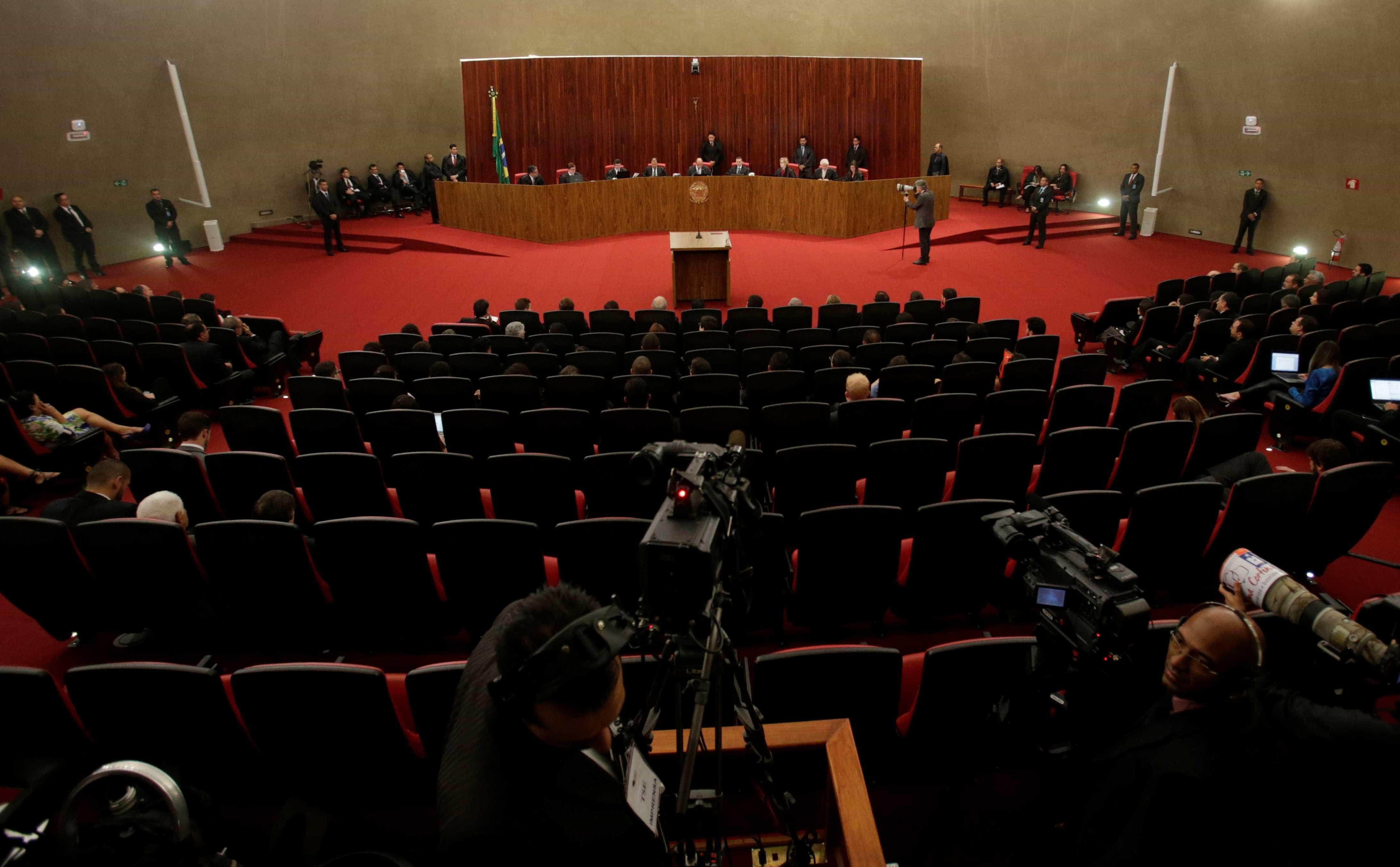 Saiba o que pensam os ministros do TSE sobre a Lei da Ficha Limpa