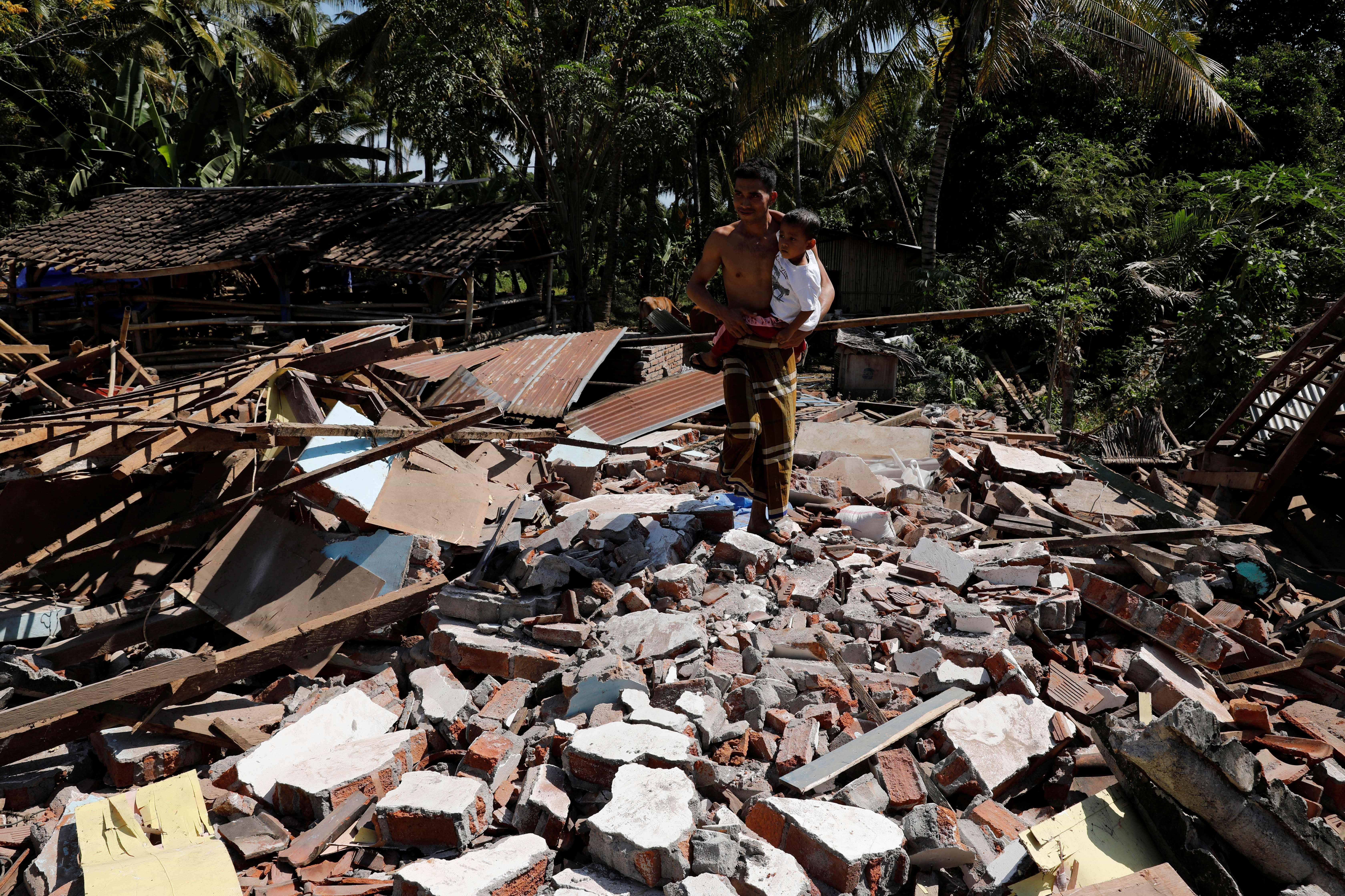 Mais um terremoto de magnitude 7,2 atinge a Indonésia
