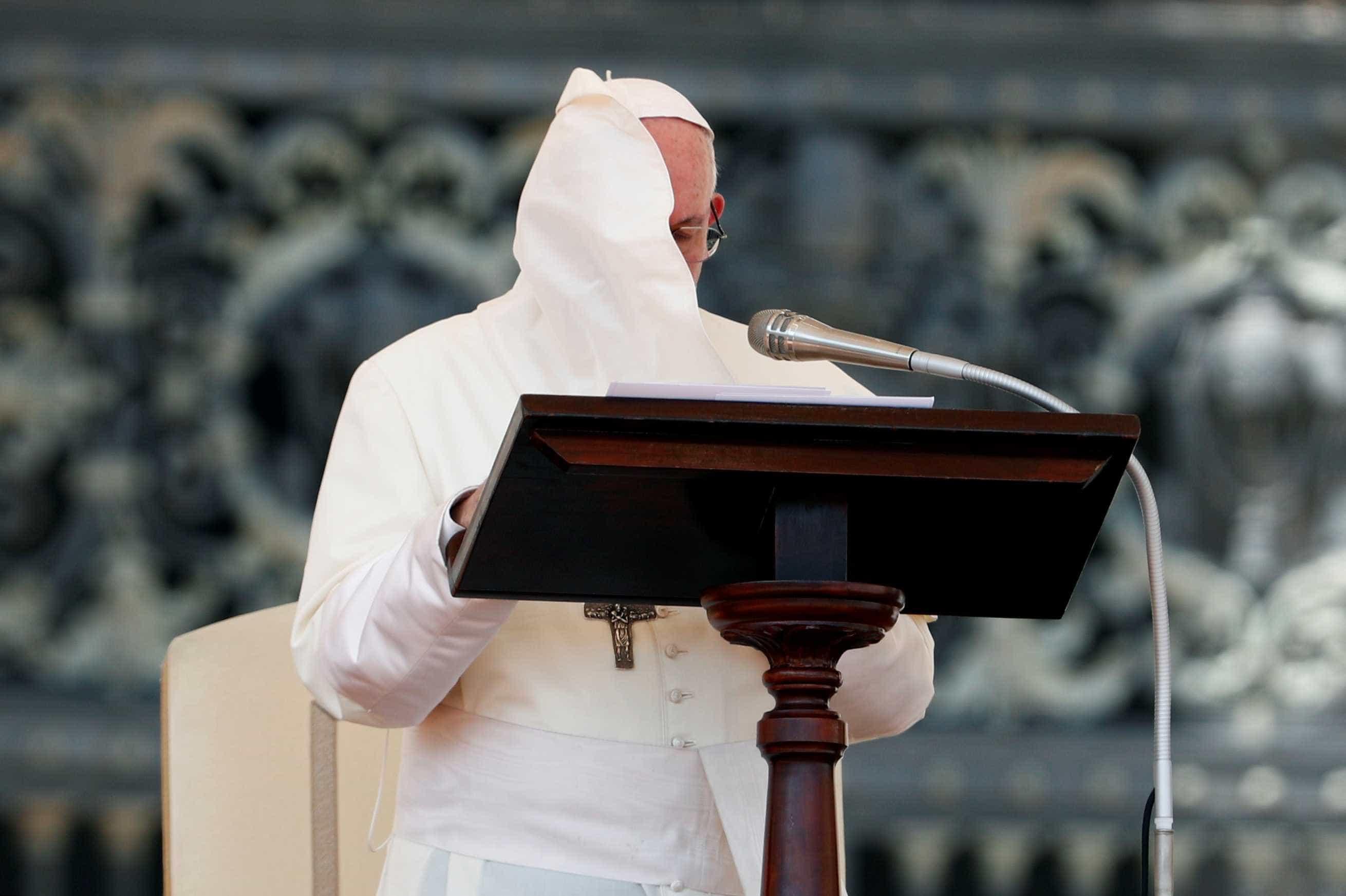 Papa admite demora da Igreja em agir contra pedofilia