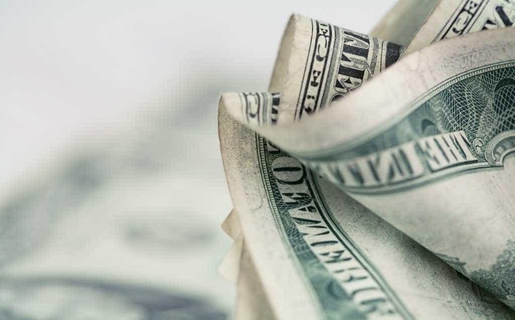 Prisões de Temer aprofunda queda na Bolsa e pressiona dólar