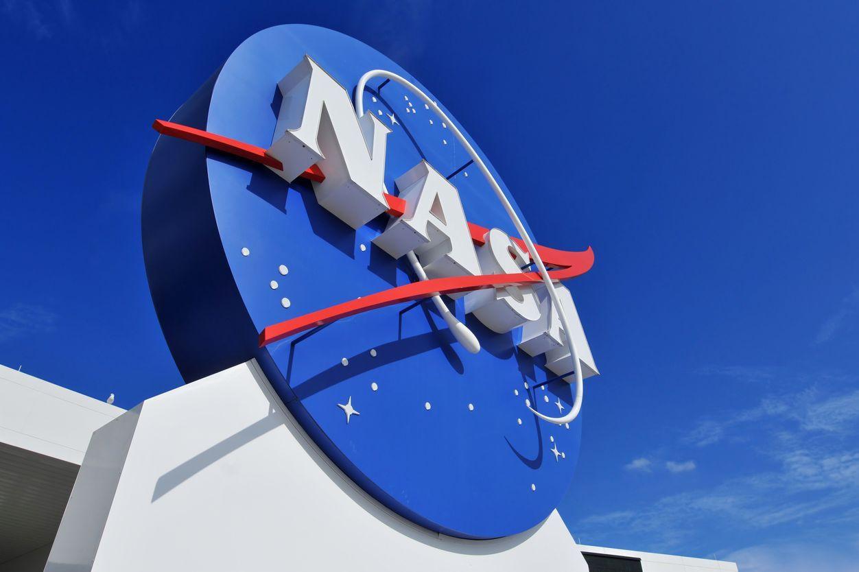 Jovem perde estágio na NASA ao celebrar vaga usando palavrão