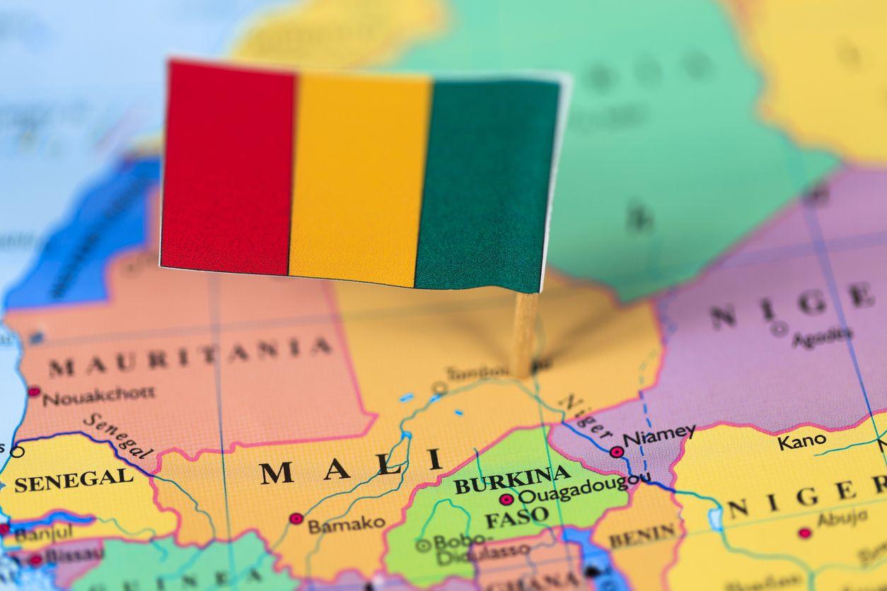Aumenta para 135 o número de mortos em ataque a aldeia em Mali