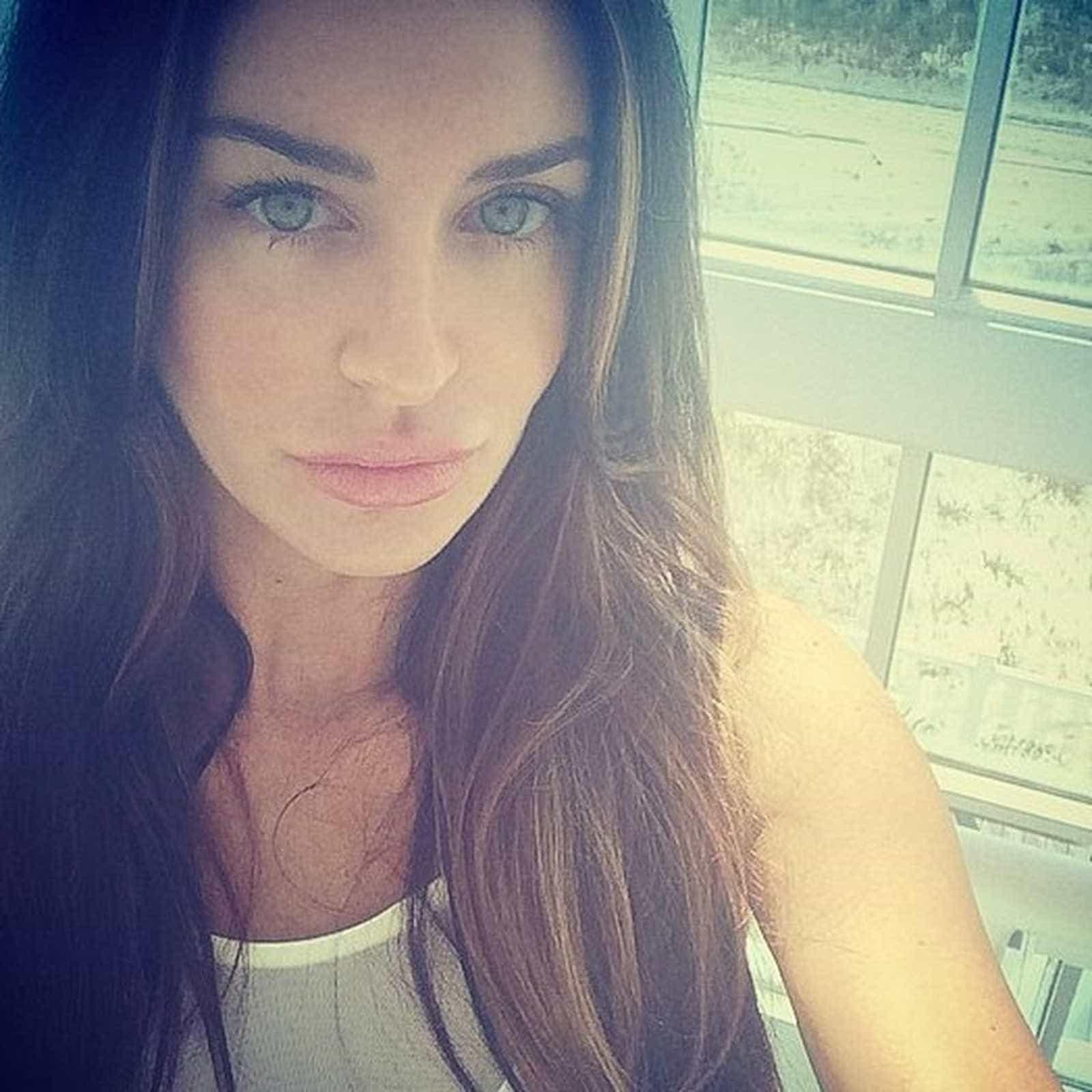 Ex-modelo da 'Playboy' é assassinada em seu apartamento nos EUA