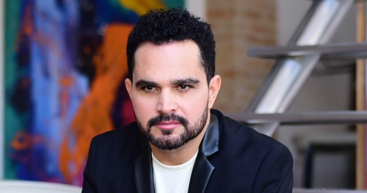 Justiça manda derrubar acusações contra Luciano Camargo na web