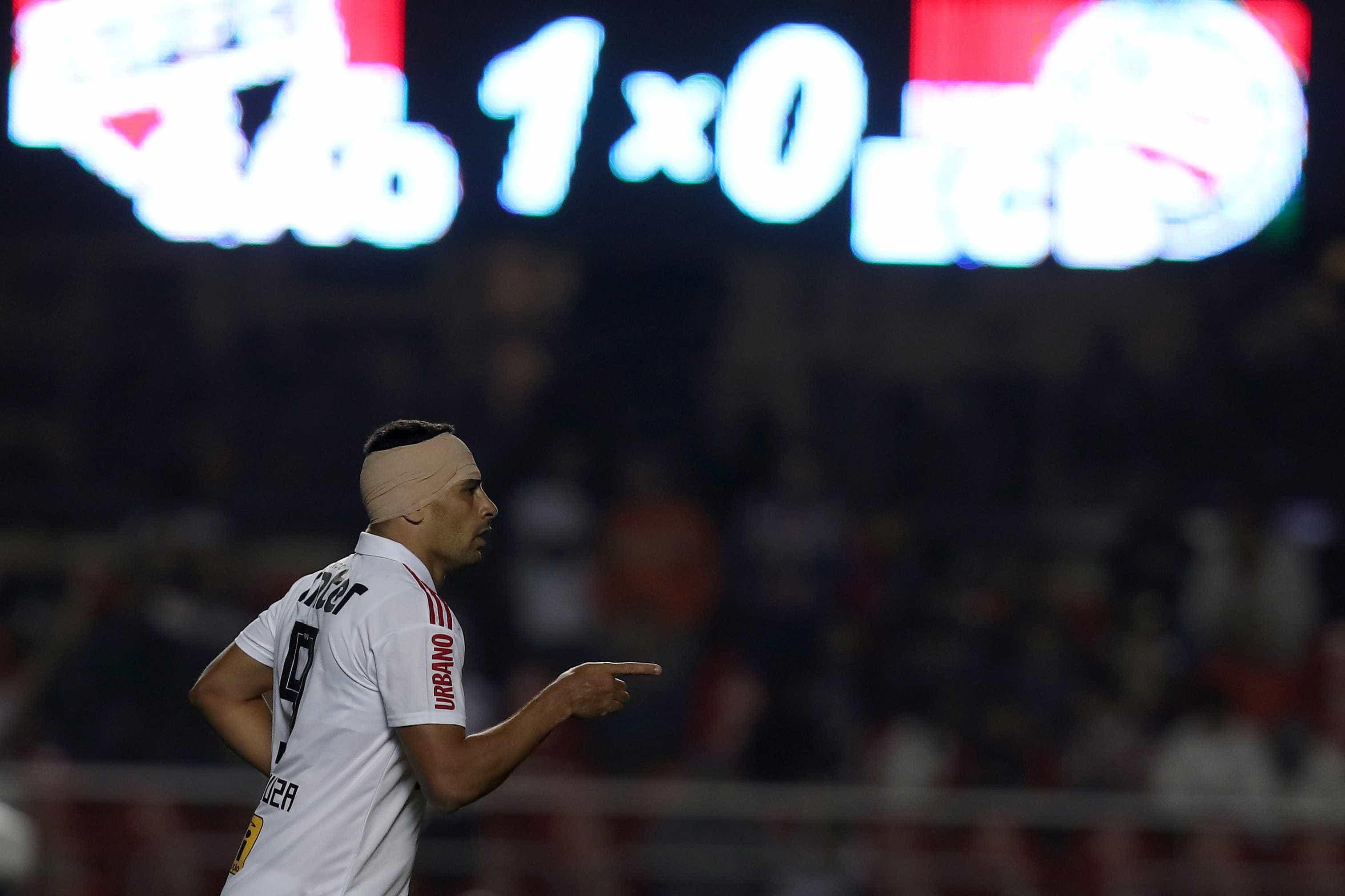 São Paulo vence, retoma liderança e agora torce pelo Grêmio