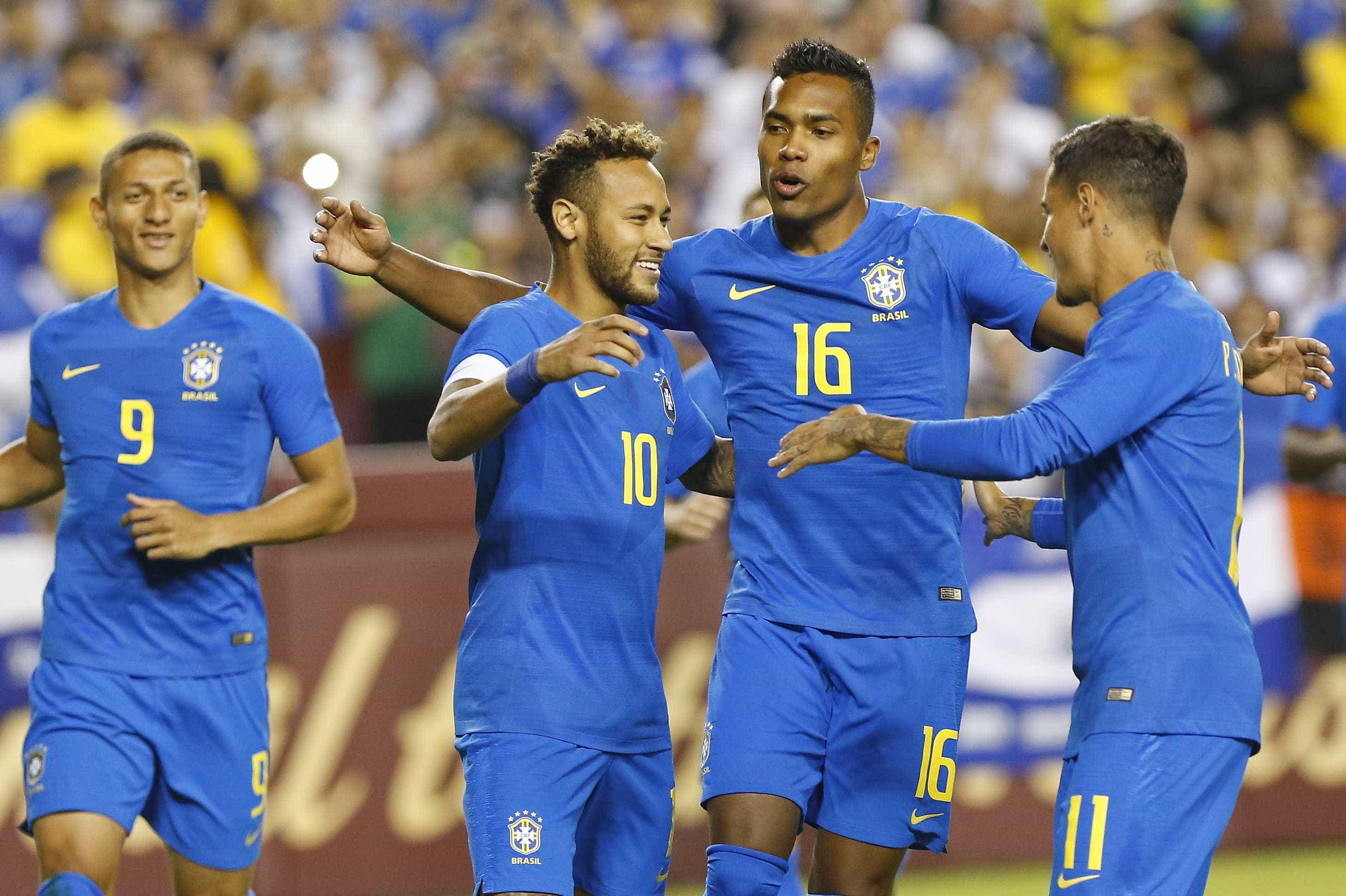 Brasil goleia El Salvador com boas atuações de Richarlison e Arthur