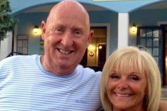 Casal britânico que morreu em hotel do Egito contraiu bactéria E.coli