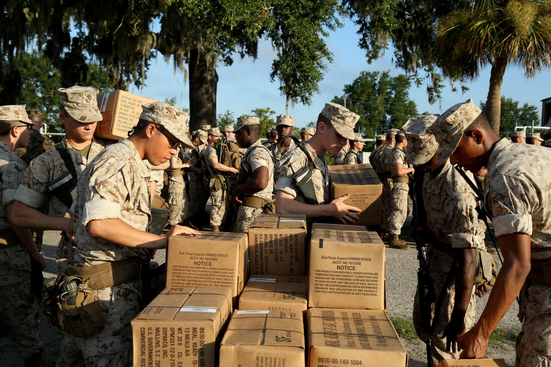 Bases militares se preparam para chegada de furacão nos EUA