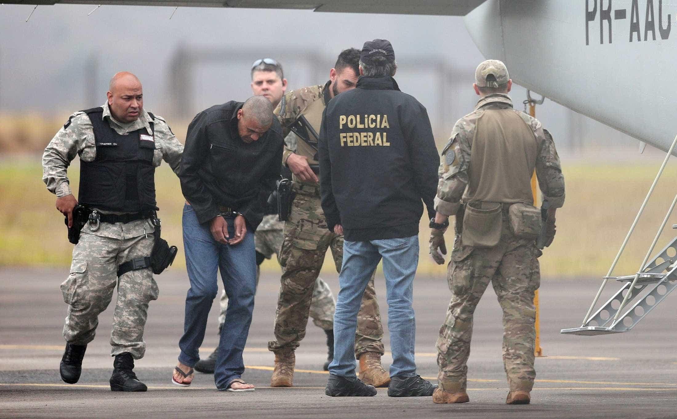 Defesa entrega laudo sobre doença mental de agressor de Bolsonaro