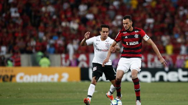 Jogadores do Flamengo lamentam empate no Rio   Dever não cumprido  db69ef70c12da