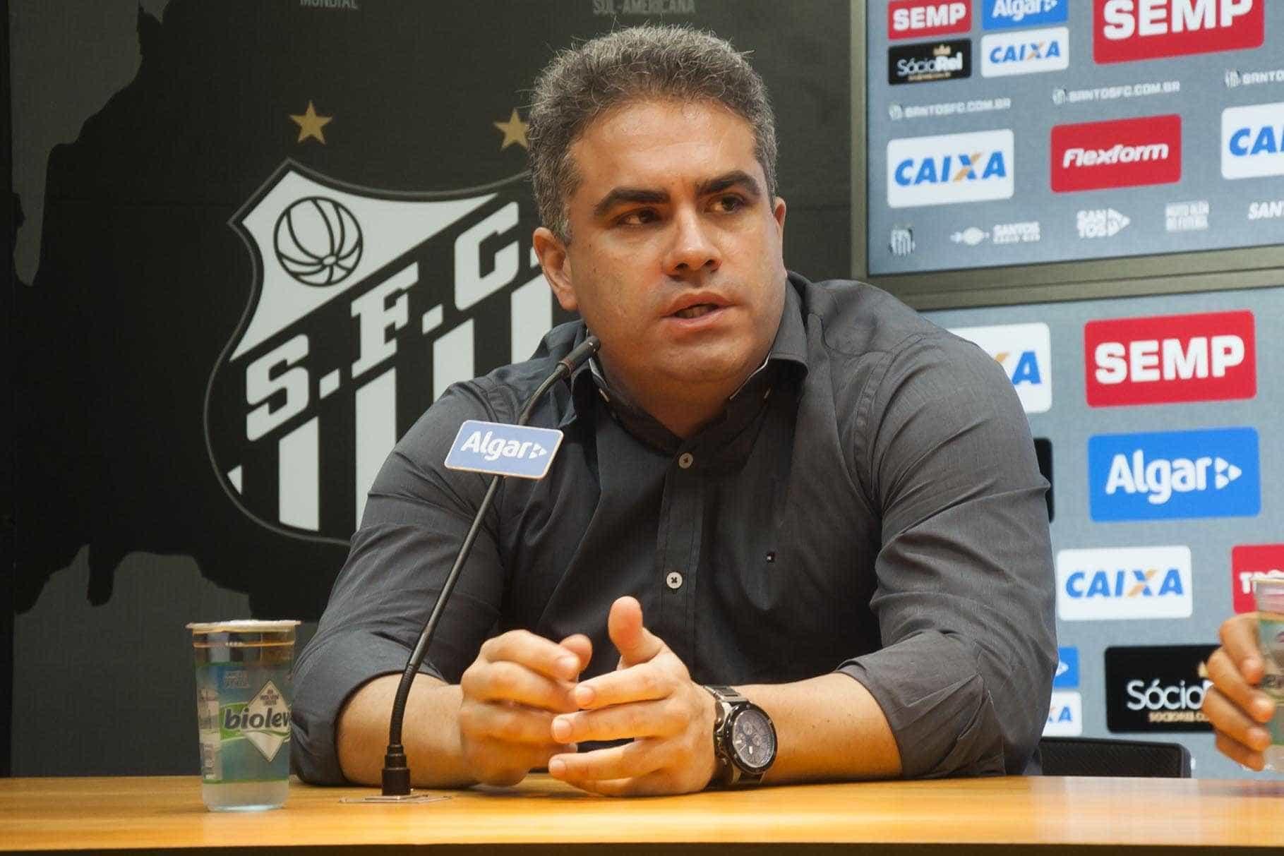 Dirigente que pode assumir o Santos processou oito torcedores em 2018