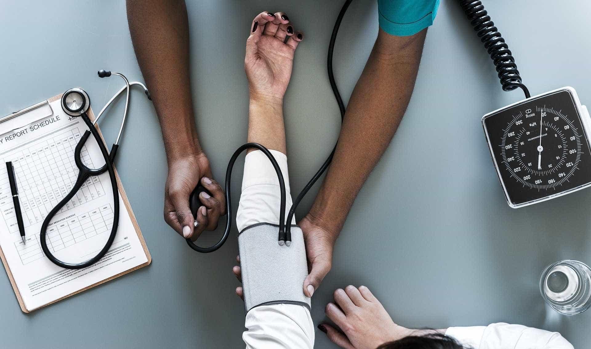 São Paulo: sete em cada 10 profissionais de saúde já sofreram agressão