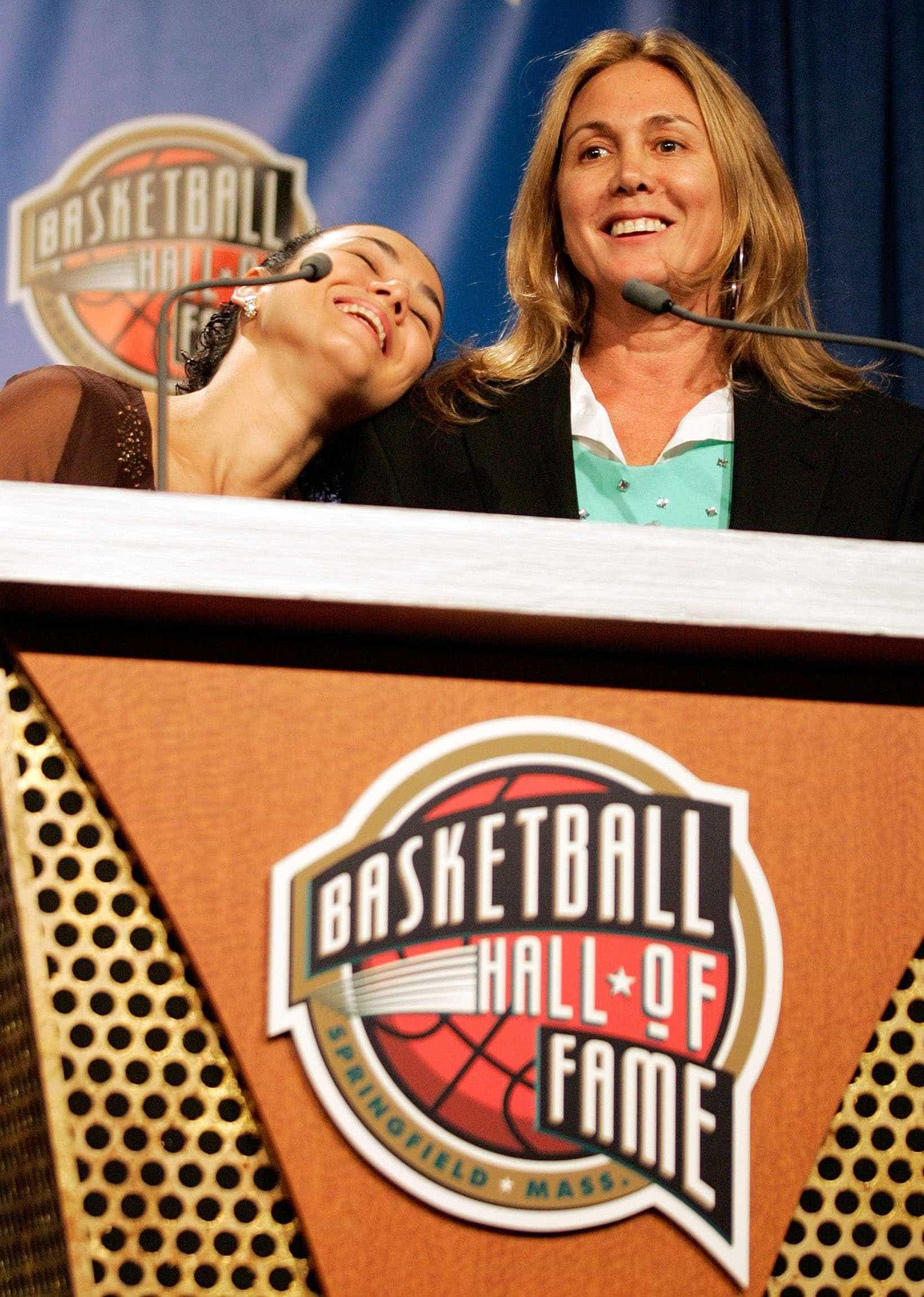 Hortência é eleita melhor jogadora da história dos mundiais de basquete