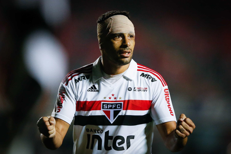 Diego Souza se recupera e pode reforçar São Paulo contra o Cruzeiro