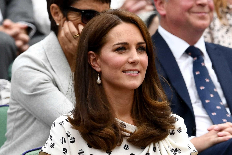 Revista pagará multa por publicar fotos de topless de Kate Middleton