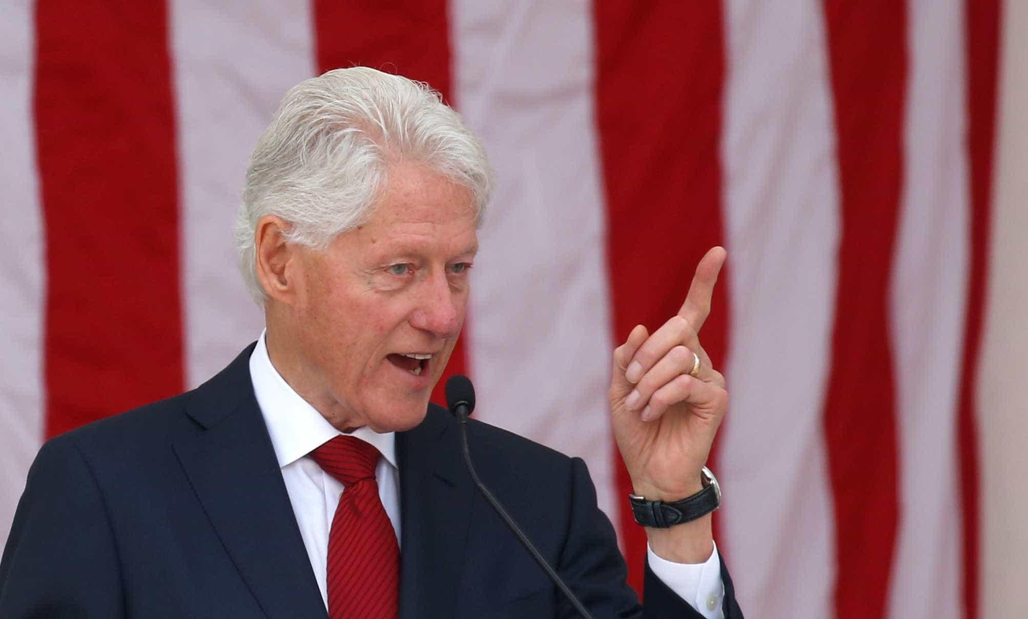 Bill Clinton alerta brasileiros a não votar por raiva