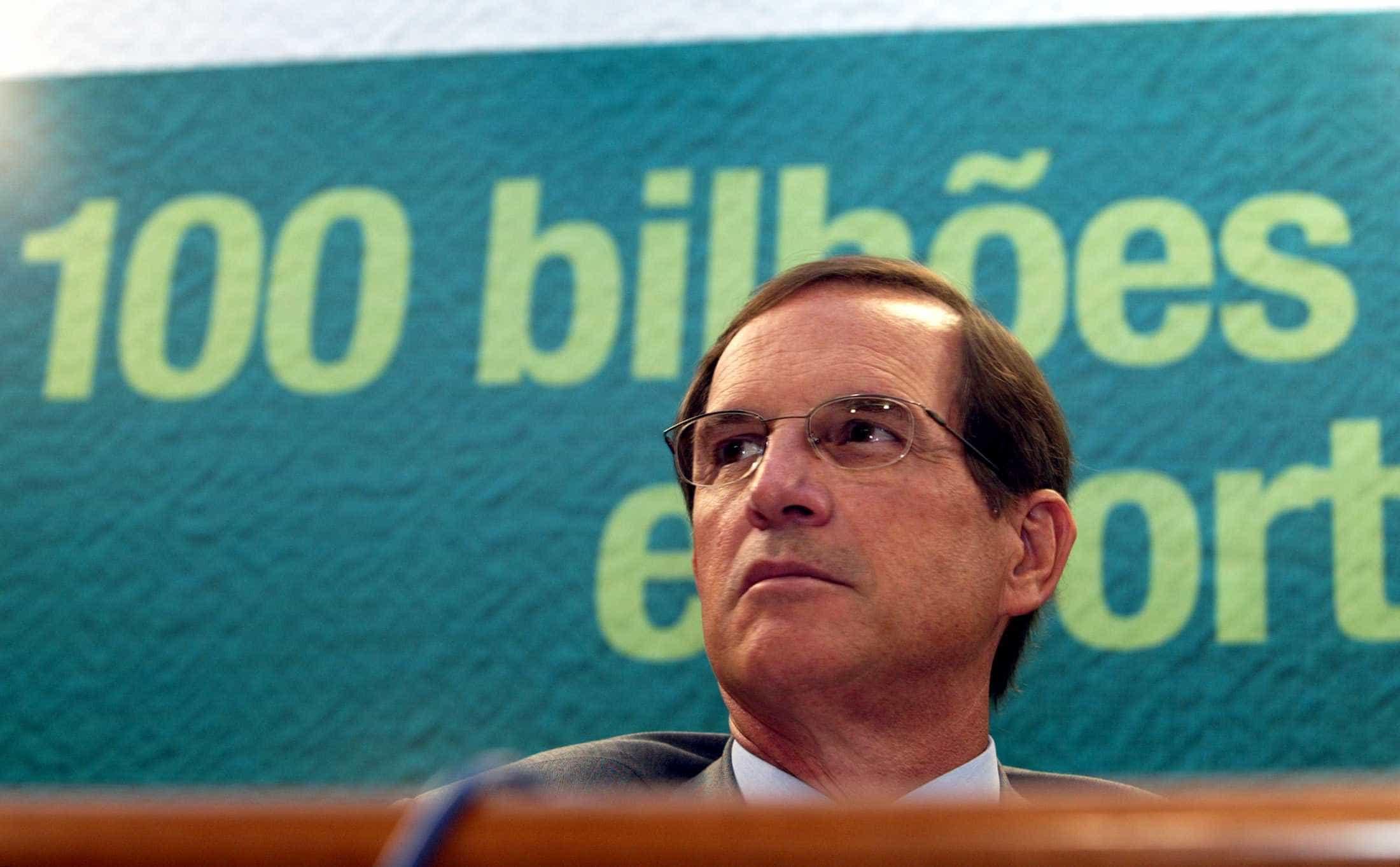 Olhem o futuro sem pessimismo, diz Luiz Furlan
