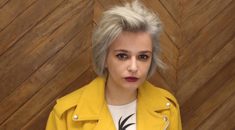 Um mês após abandonar Pânico ao vivo, Amanda assina demissão