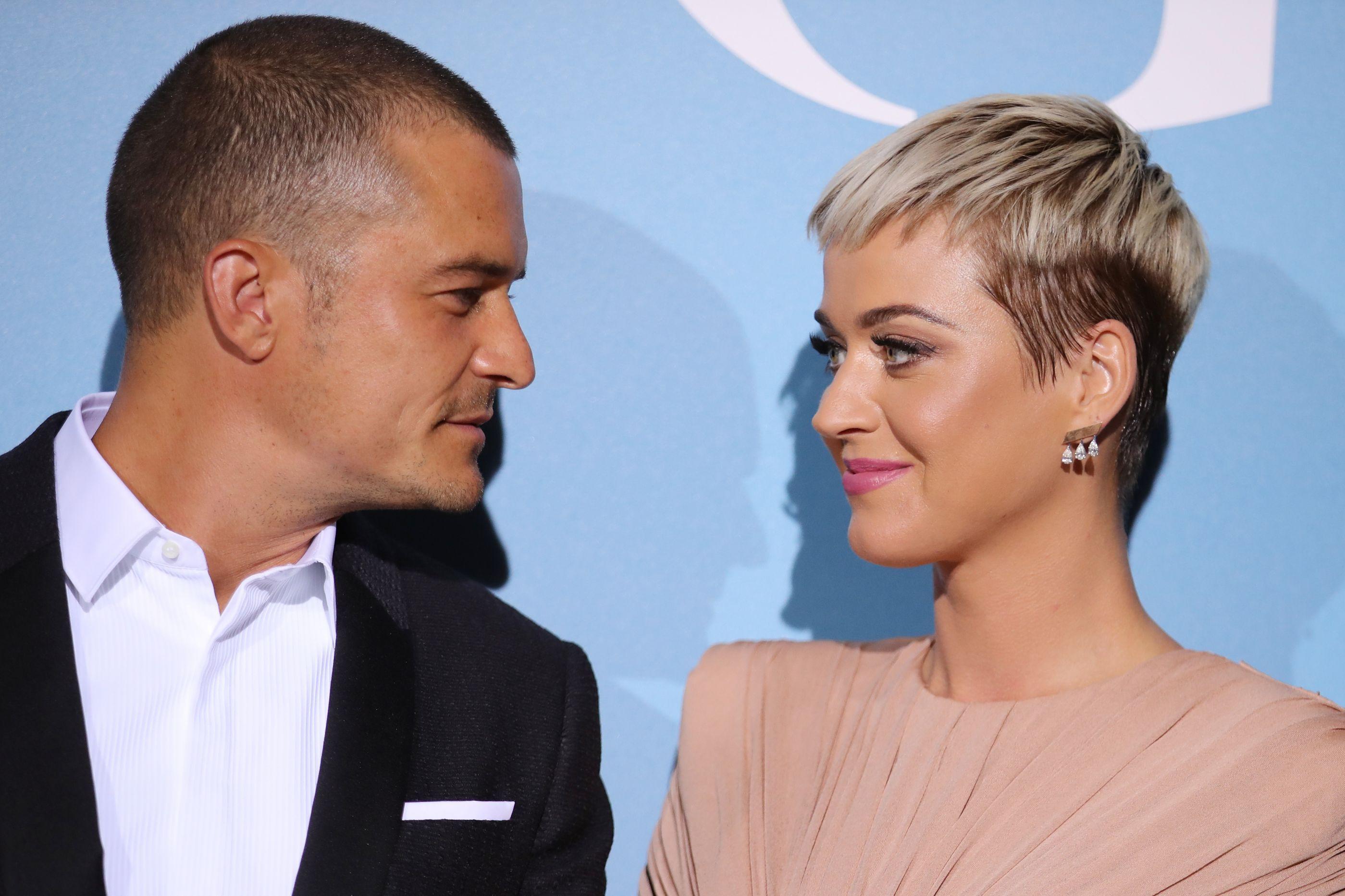 É oficial: Katy Perry e Orlando Bloom estão noivos
