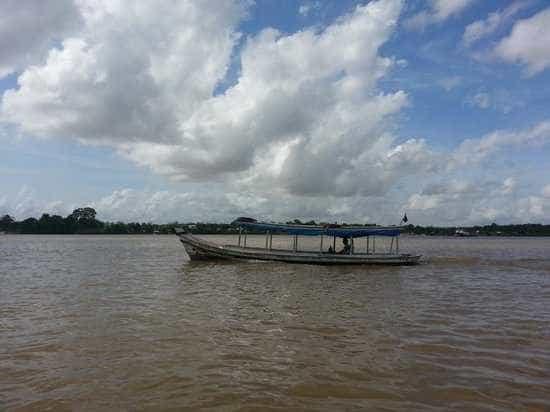 Barco naufraga com família a caminho da Ilha de Santana, no Amapá