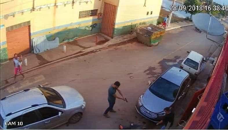 Homem reage a abordagem policial e é baleado na barriga por PM