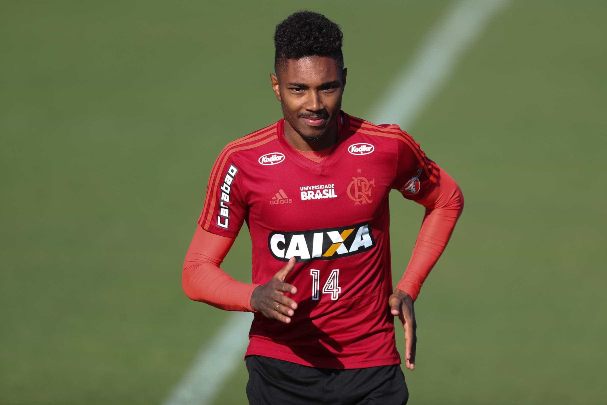 Vitinho é a nova dúvida de Dorival para jogo contra o Corinthians