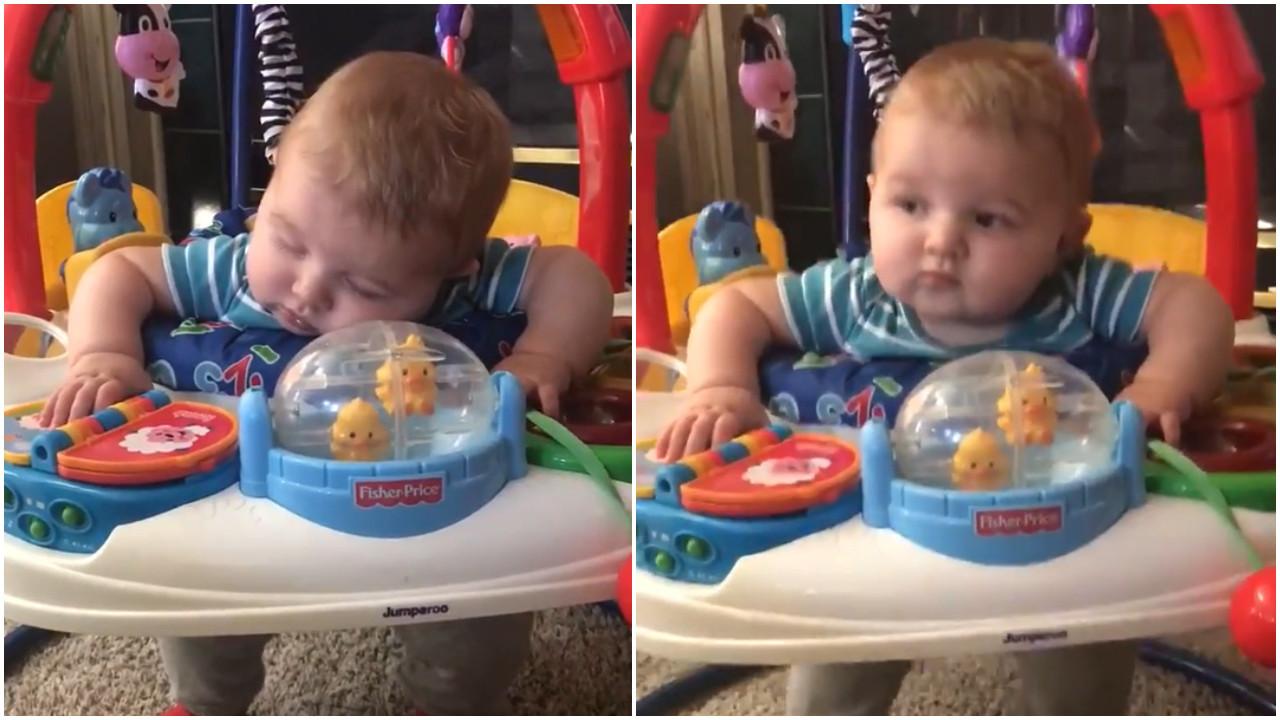 Bebê não consegue decidir se dorme ou se brinca